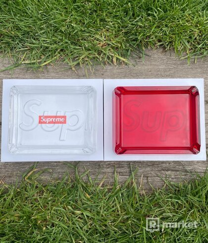 Supreme Debossed Glass Asthray Red, Clear