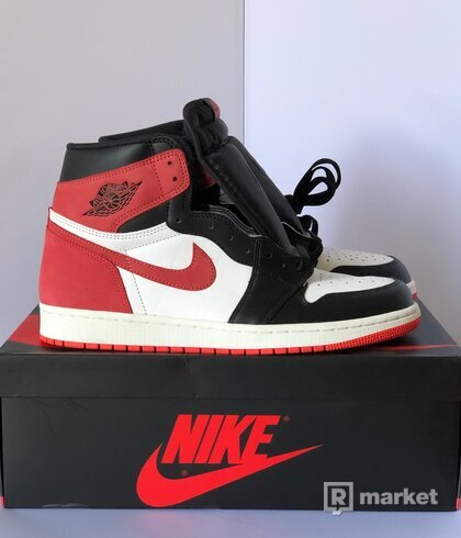 Air Jordan 1 OG / Track Red - Best hand in the game