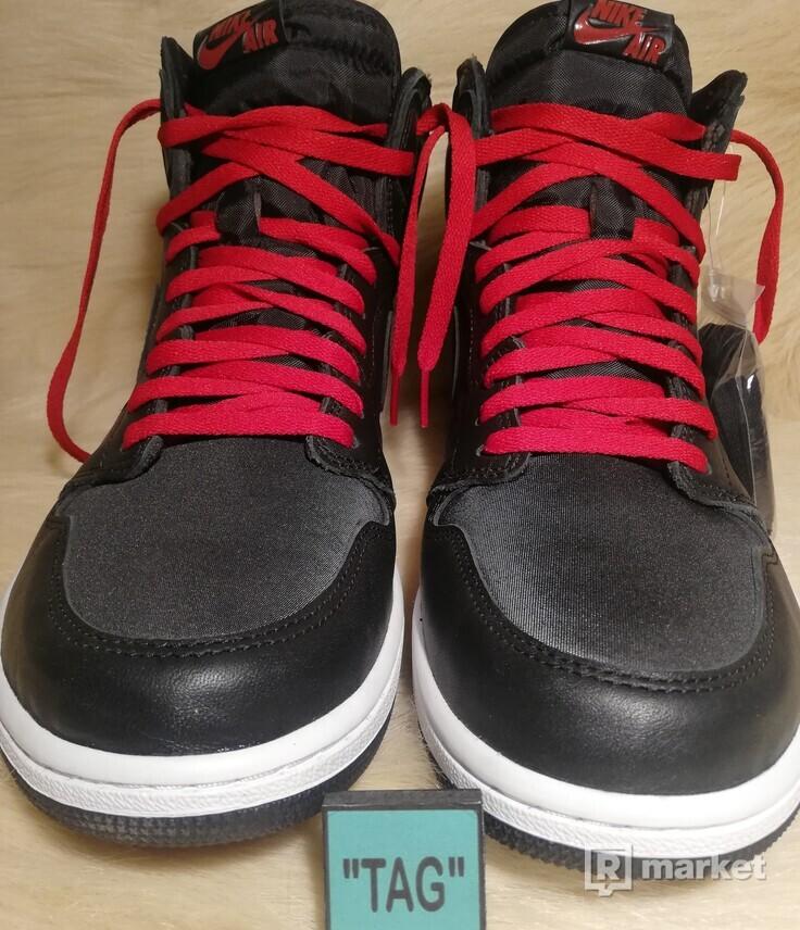 Jordan 1 Retro High satin gym red