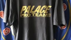 Palace pro team tee