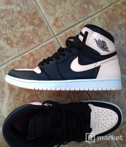 Air Jordan 1 High  Crimson Tint