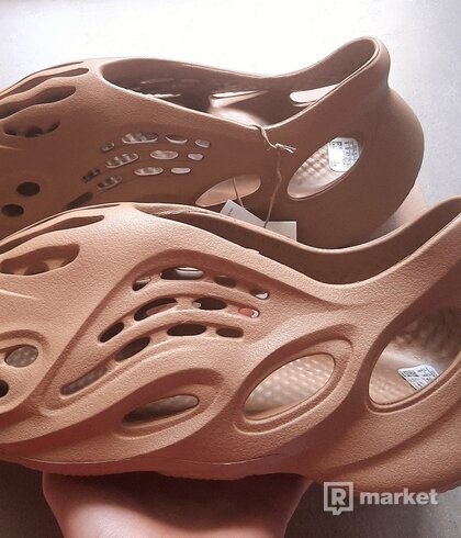 adidas yeezy foam runner ochre