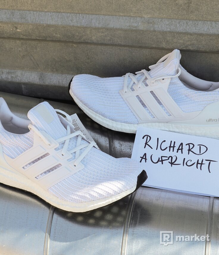 "Ultra Boost 4.0 ""Running White"" US10.5"