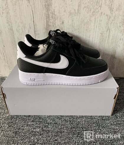 Nike Air Force 1 '07 Black and White ( US 7)