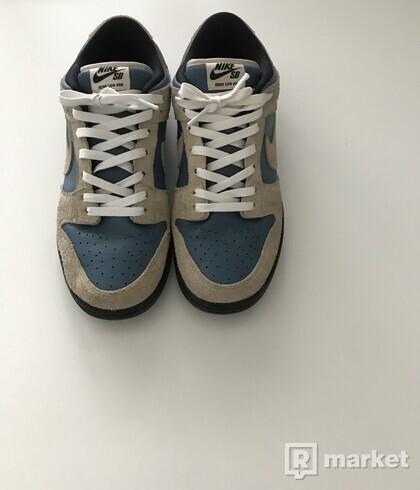 Nike si dunk low