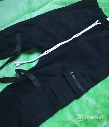 Lakenzie Cargo Pants Black