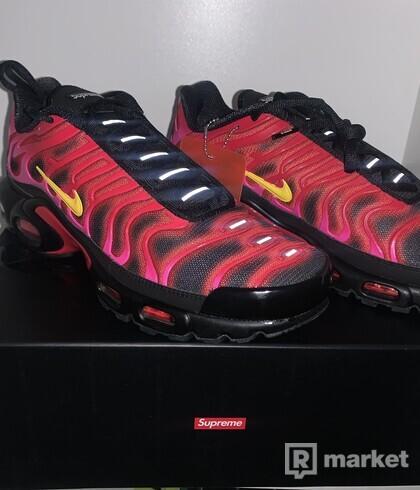 Supreme air max plus Fire pink