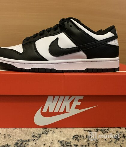 Nike Dunk panda low
