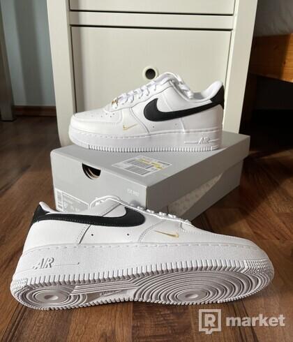 Nike Air Force 1 Low Essential Black White