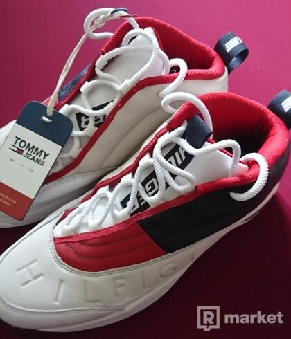 Tommy Jeans The Skew 1a