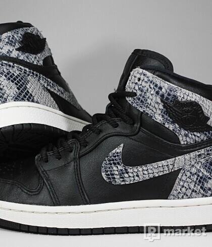 "Air Jordan Retro 1 High Premium ""Snakeskin"" (W)"