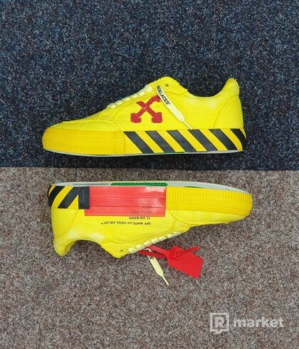 OFF-WHITE vulc sneakers Yellow Red
