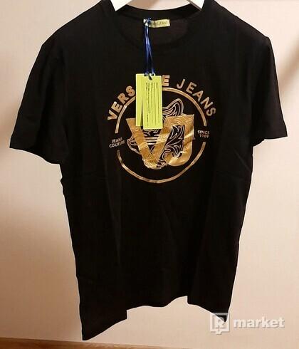 černé luxusní tričko Versace