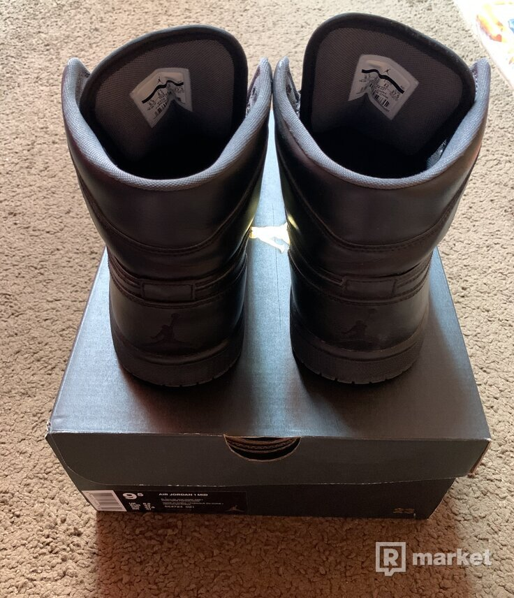 Jordan retro 1 high all black