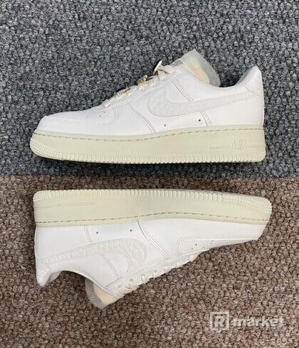 Nike Air Force 1 Jewels