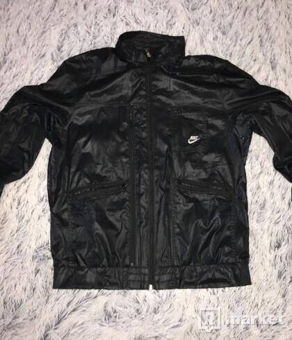 Čierna Šušťaková bunda NIKE size M