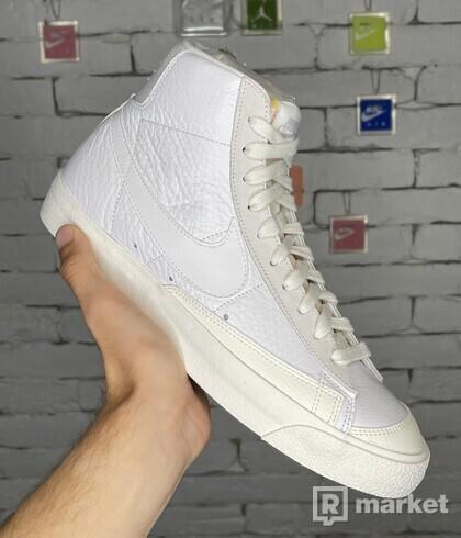 Nike Blazer Mid VNTG '77