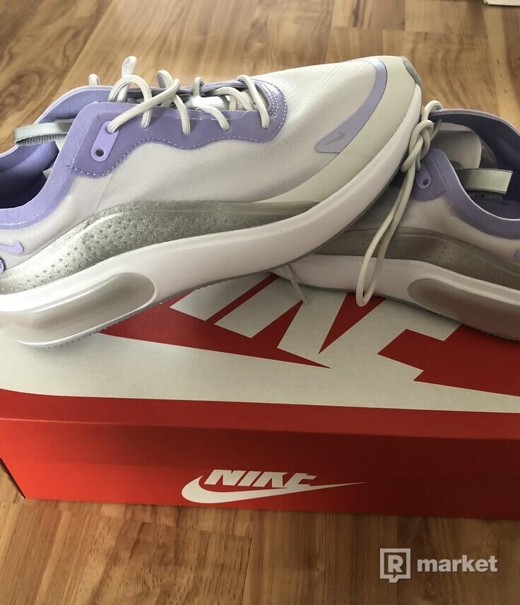 Nike dia
