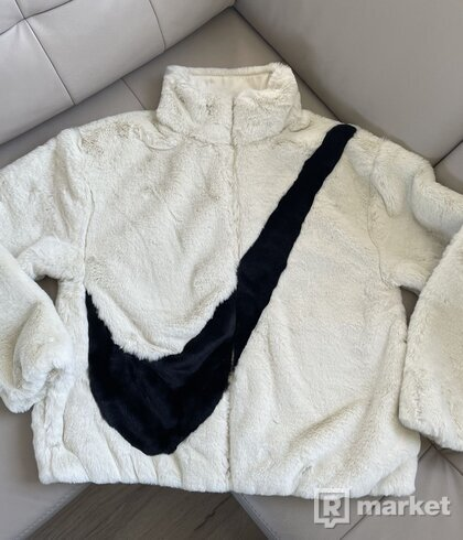Nike Sportswear Faux Fur White zimná bunda S