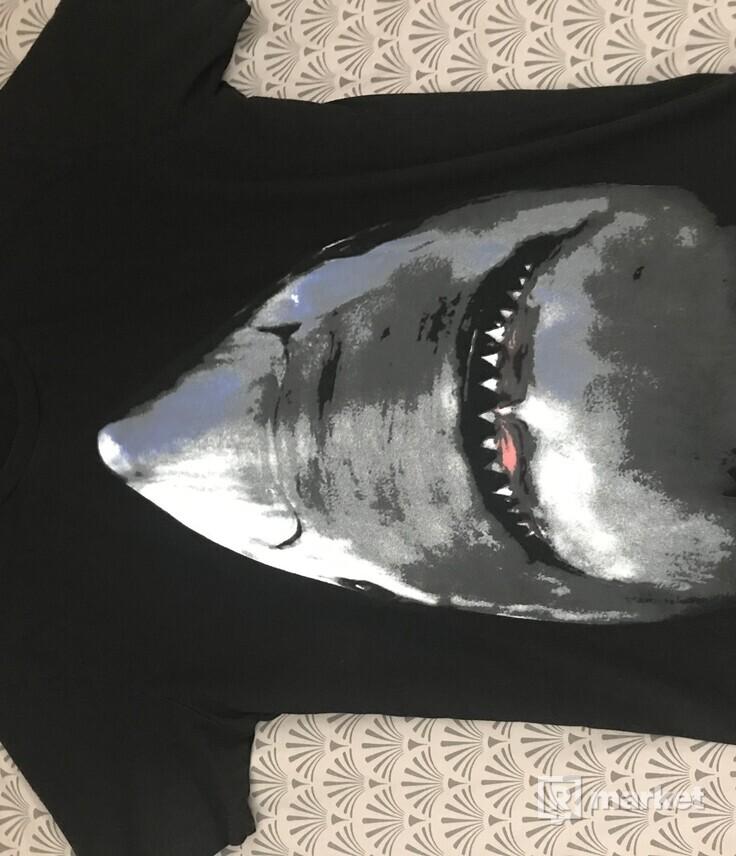 Givenchy shark tričko