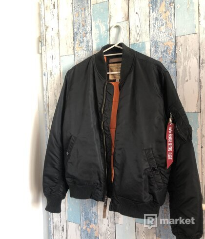 Alpha Industries Bomber