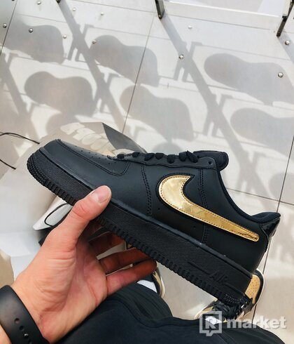 Nike air force one swosh