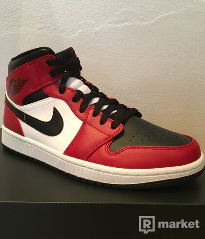 "Jordan 1 mid ""Chicago Toe"""