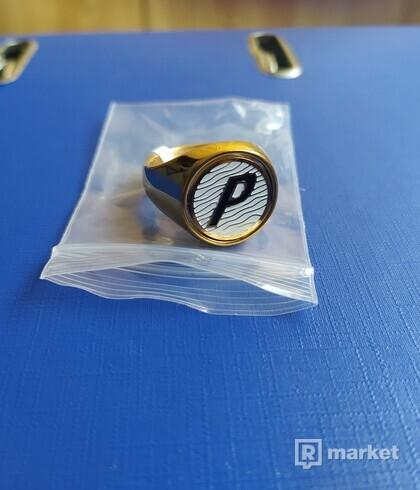 Palace ring