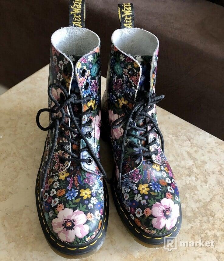 Dr.Martens 1460 floral boots