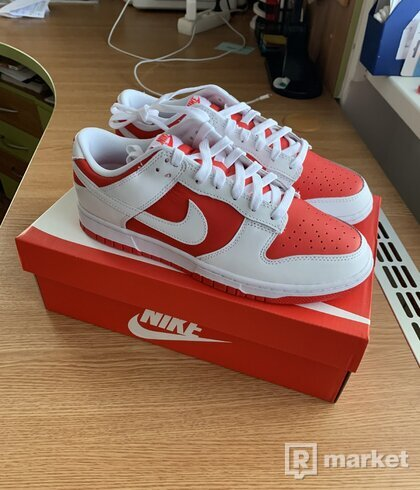 Nike Dunk Low Championship Red