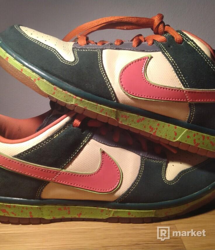 Nike SB Dunk Low Mosquito