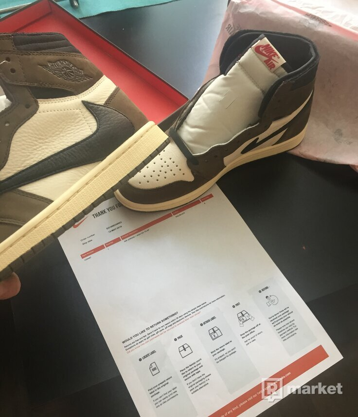Jordan 1 Travis Scott US8