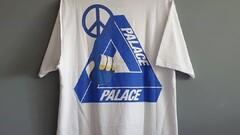"Palace ""Tri-Smiler Tee"""