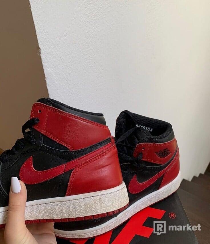 Air Jordan 1 Bred
