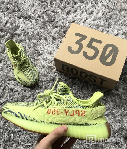 Yeezy 350 Boost v2 Frozen Yellow