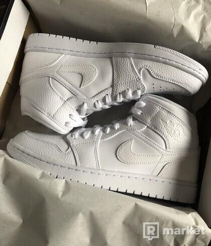 Air Jordan Retro 1 Mid White