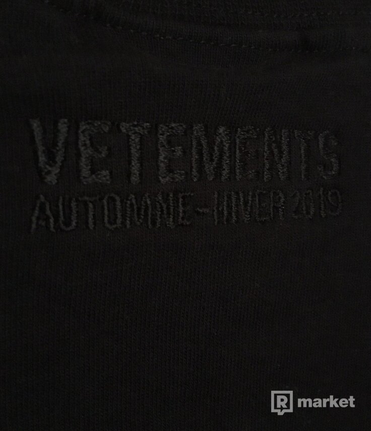 Vetements Hug Me tee