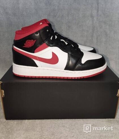 Jordan 1 Mid Gym Red Black White