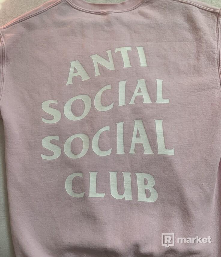Anti social social klub