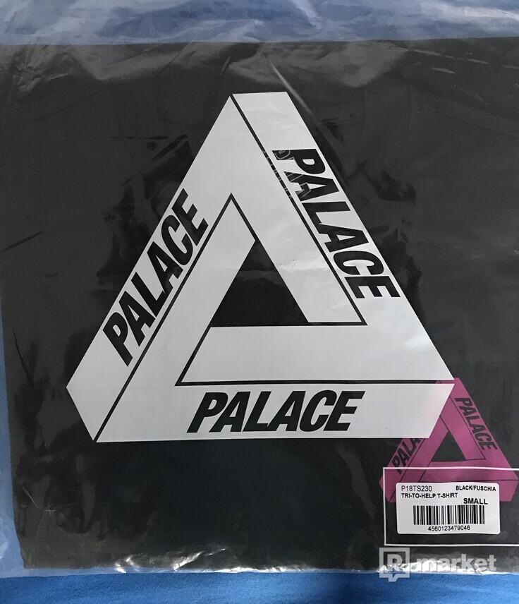 "Palace  TRI - TO - HELP T-SHIRT - ""BLACK/FUSCHIA"""