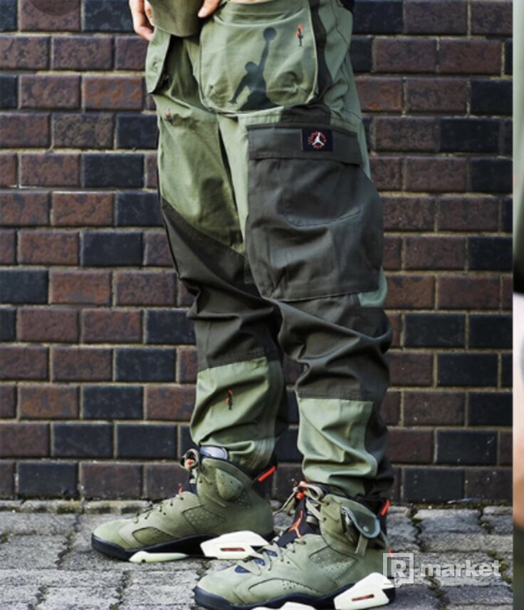 JORDAN BRAND X TRAVIS SCOTT CARGO TROUSERS