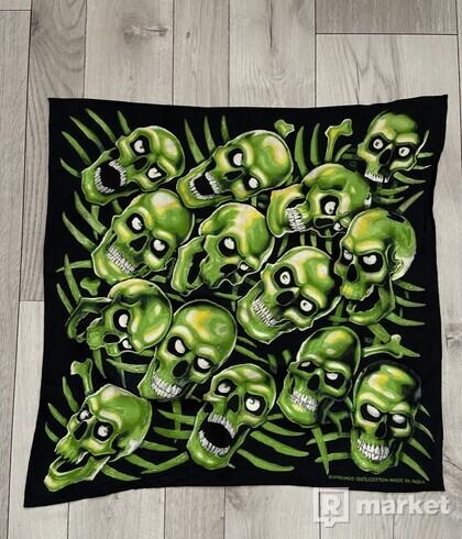 skull pile bandana