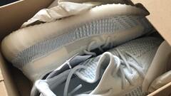 Adidas Yeeze Boost Cloud white