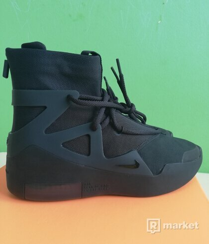 FEAR OF GOD TRIPLE BLACK