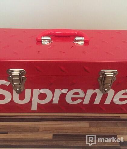 Supreme Diamond Plate Tool Box