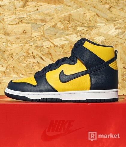 "WMNS Dunk High Retro QS ""Michigan"" US7"