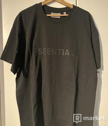 Essentials fear of god tee shirt
