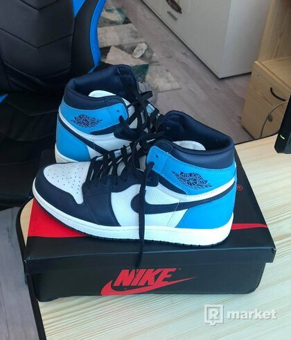 Jordan Retro 1 High Obsidian UNC