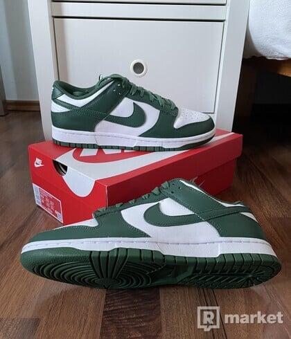 "Nike Dunk Low - ""Team Green"""