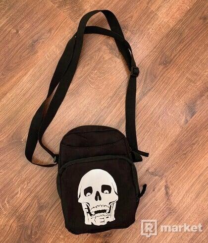 Freak Clothing Shoulder Bag